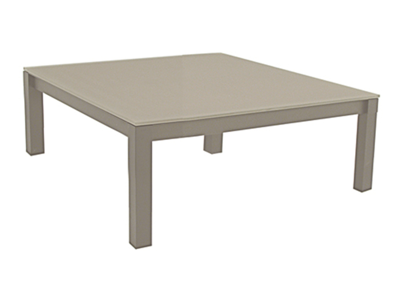 Una mesa centro cuadrada de garden art monfort hogar - Mesa centro cuadrada ...